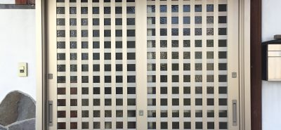 施工事例:玄関 引違戸 リシェント