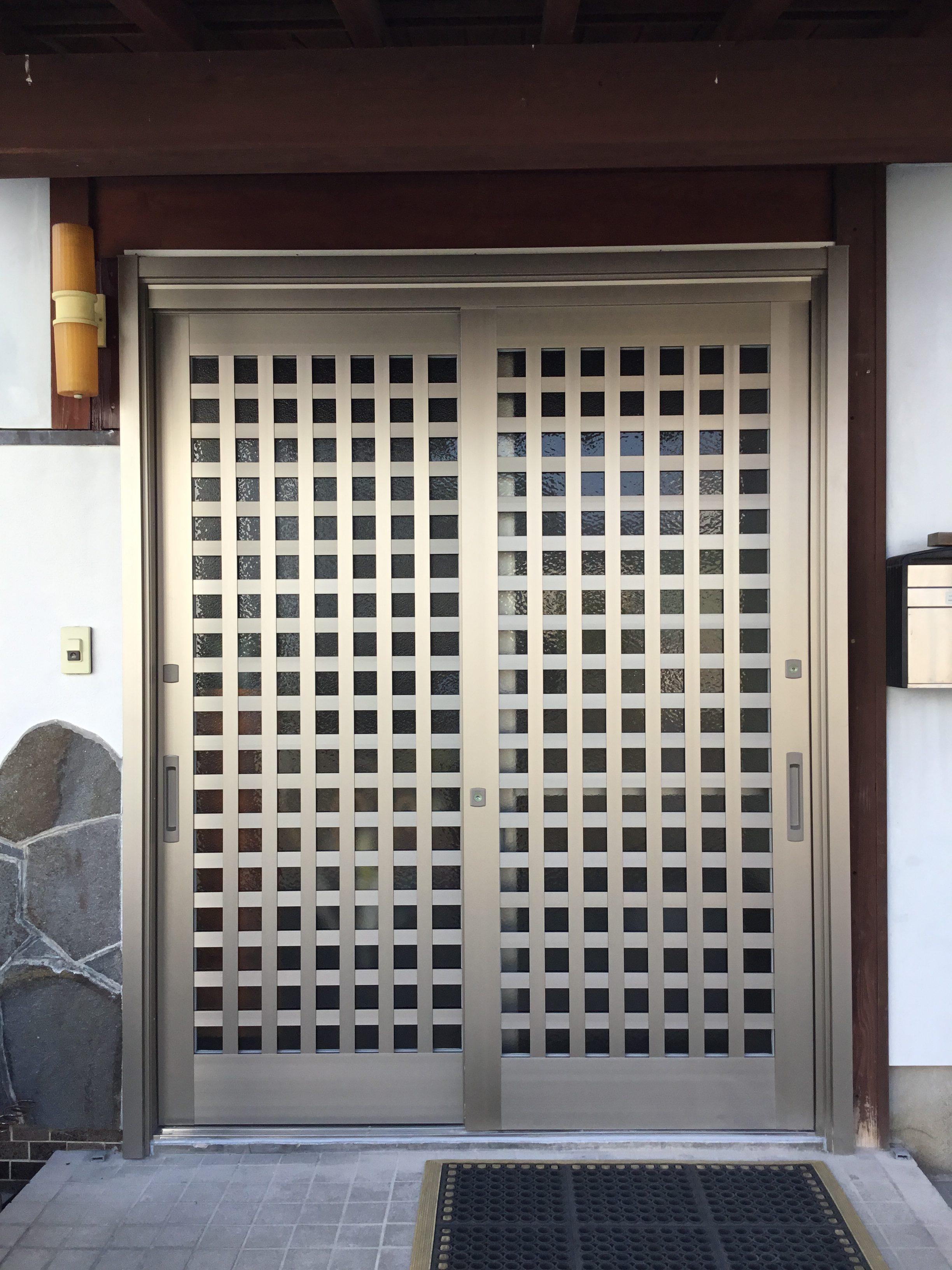 福岡トーヨー 大牟田店の玄関 引違戸 リシェントの施工事例写真