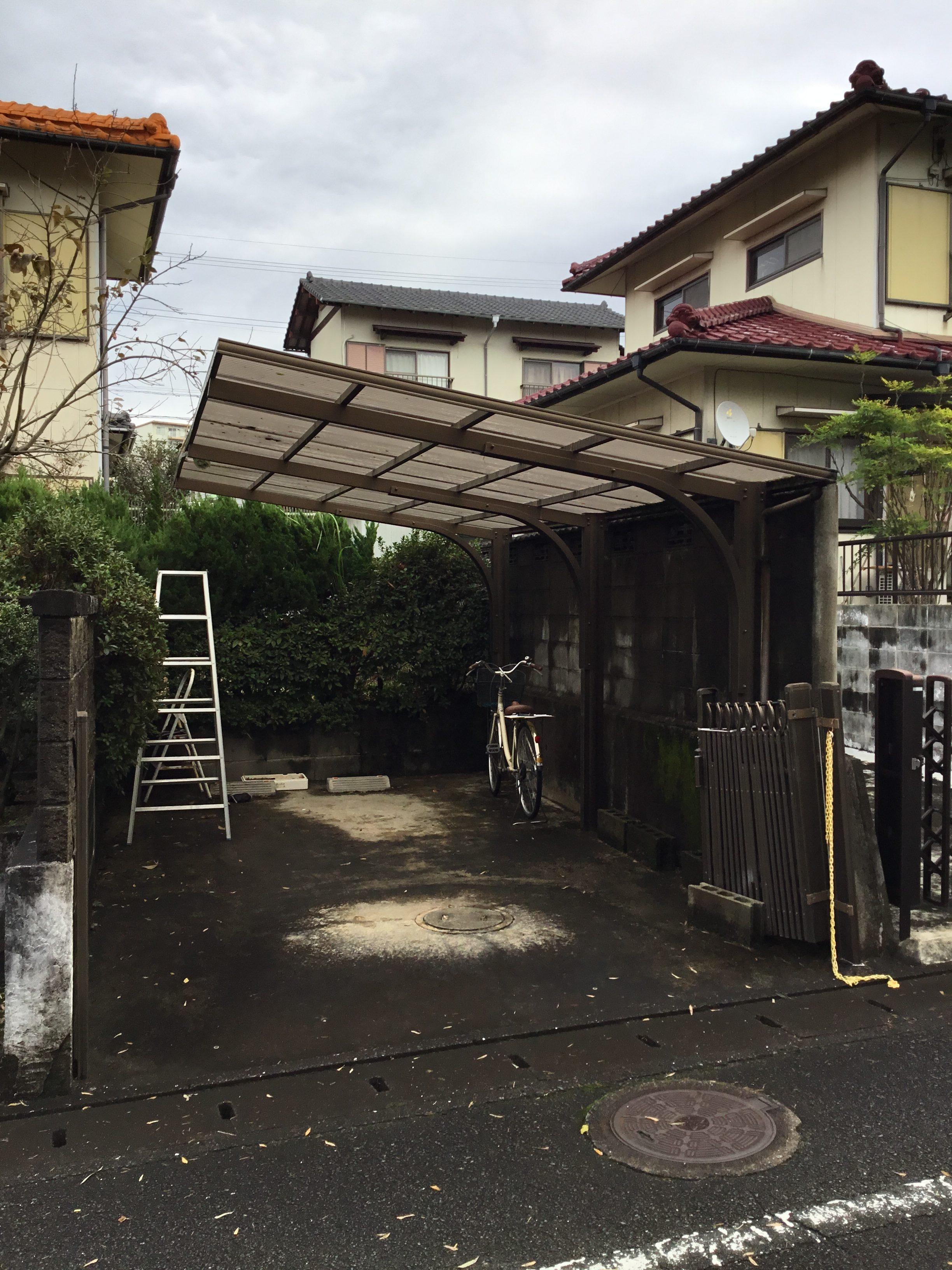 福岡トーヨー 大牟田店の門扉の施工前の写真1