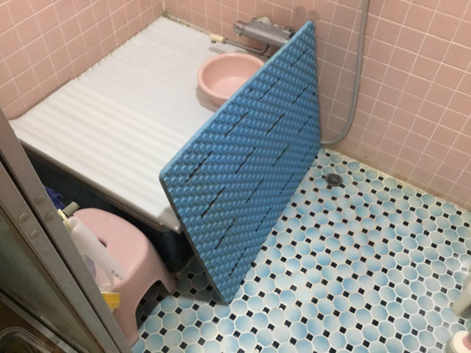 福岡トーヨー 大牟田店のシステムバスルームの施工前の写真1