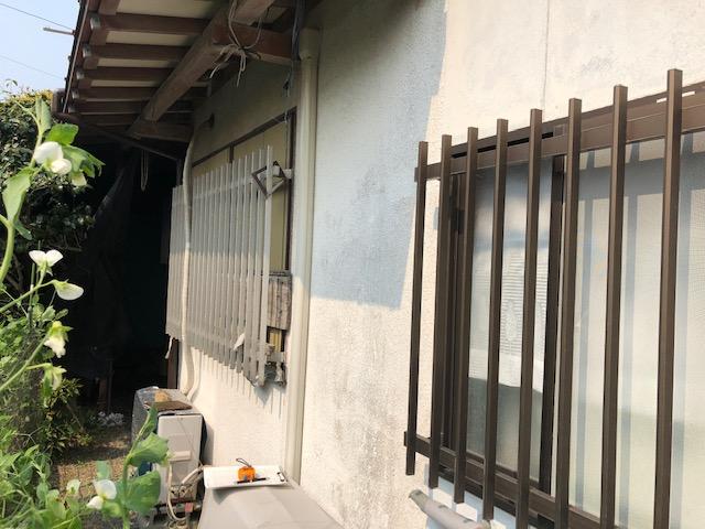 福岡トーヨー 大牟田店の10年以上 開かずの窓「雨戸」の施工前の写真1