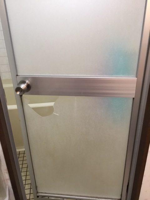 福岡トーヨー 大牟田店の浴室出入口ドア取替の施工事例写真