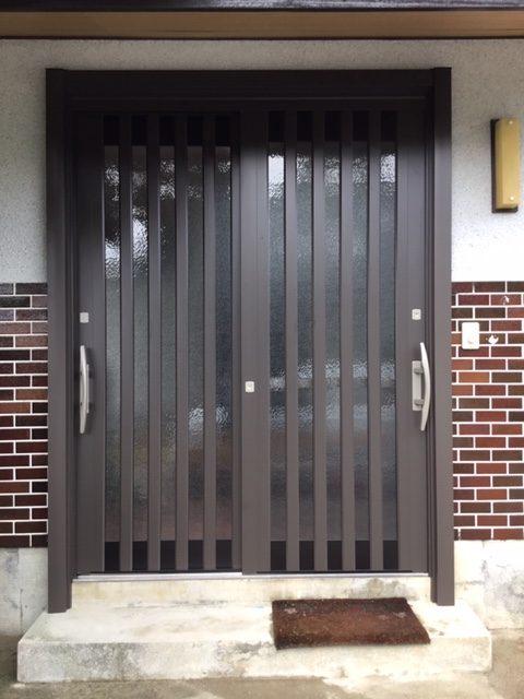 福岡トーヨー 大牟田店の玄関を新しくの施工事例写真