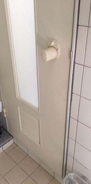 福岡トーヨー 大牟田店の浴室ドア 新しくの施工前の写真3