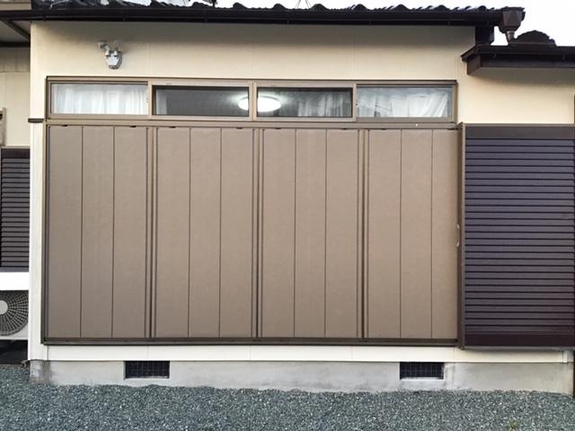 福岡トーヨー 大牟田店の台風対策 雨戸パネルの取替えの施工後の写真1