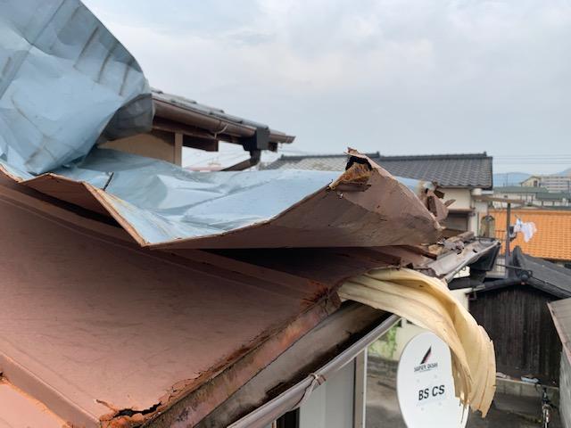台風災害 トタン屋根の張替です