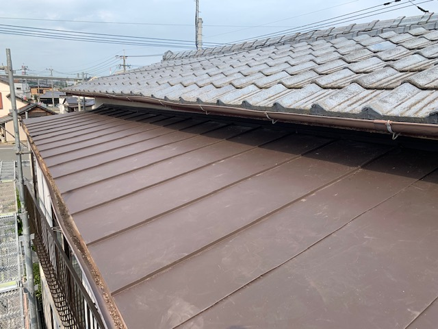 福岡トーヨー 大牟田店の台風災害 トタン屋根の張替ですの施工後の写真2