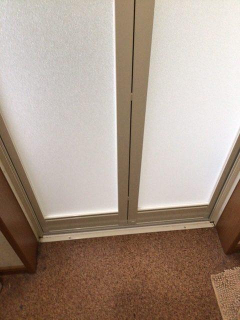福岡トーヨー 大牟田店の浴室中折れドア 取替えの施工後の写真2