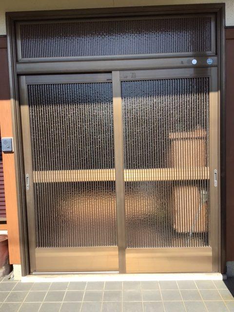 福岡トーヨー 大牟田店の玄関引戸を新しくの施工前の写真1
