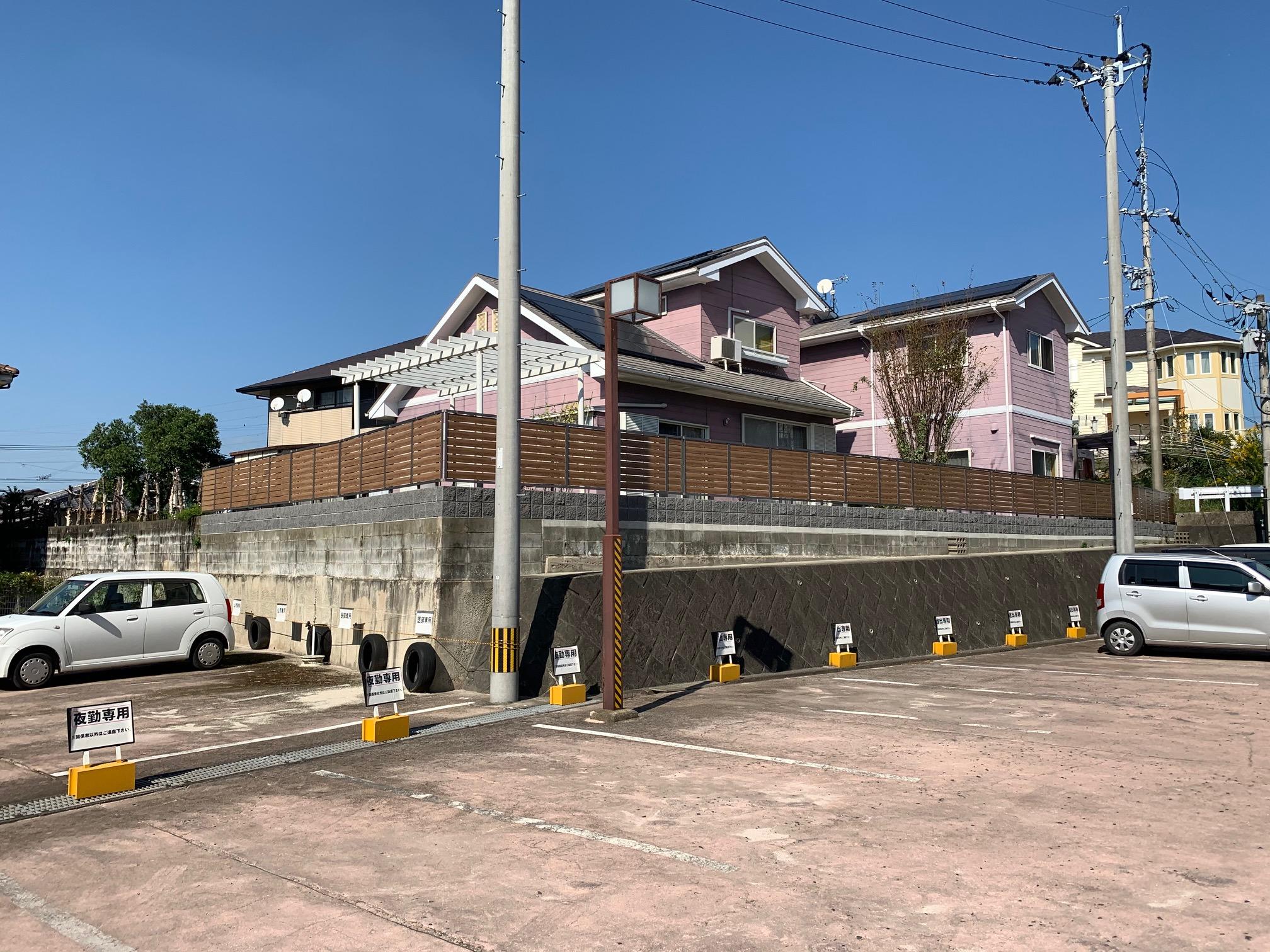 福岡トーヨー 大牟田店の目隠しフェンスと花粉症対策の施工後の写真2