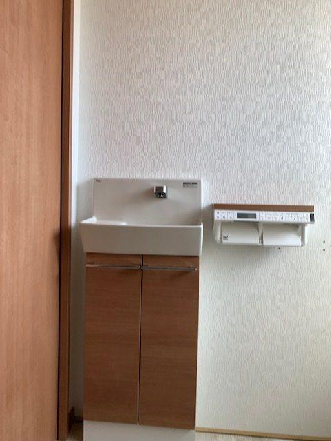 福岡トーヨー 大牟田店の身体のリハビリも考慮した使い易いトイレ空間にリフォームしたいの施工後の写真2