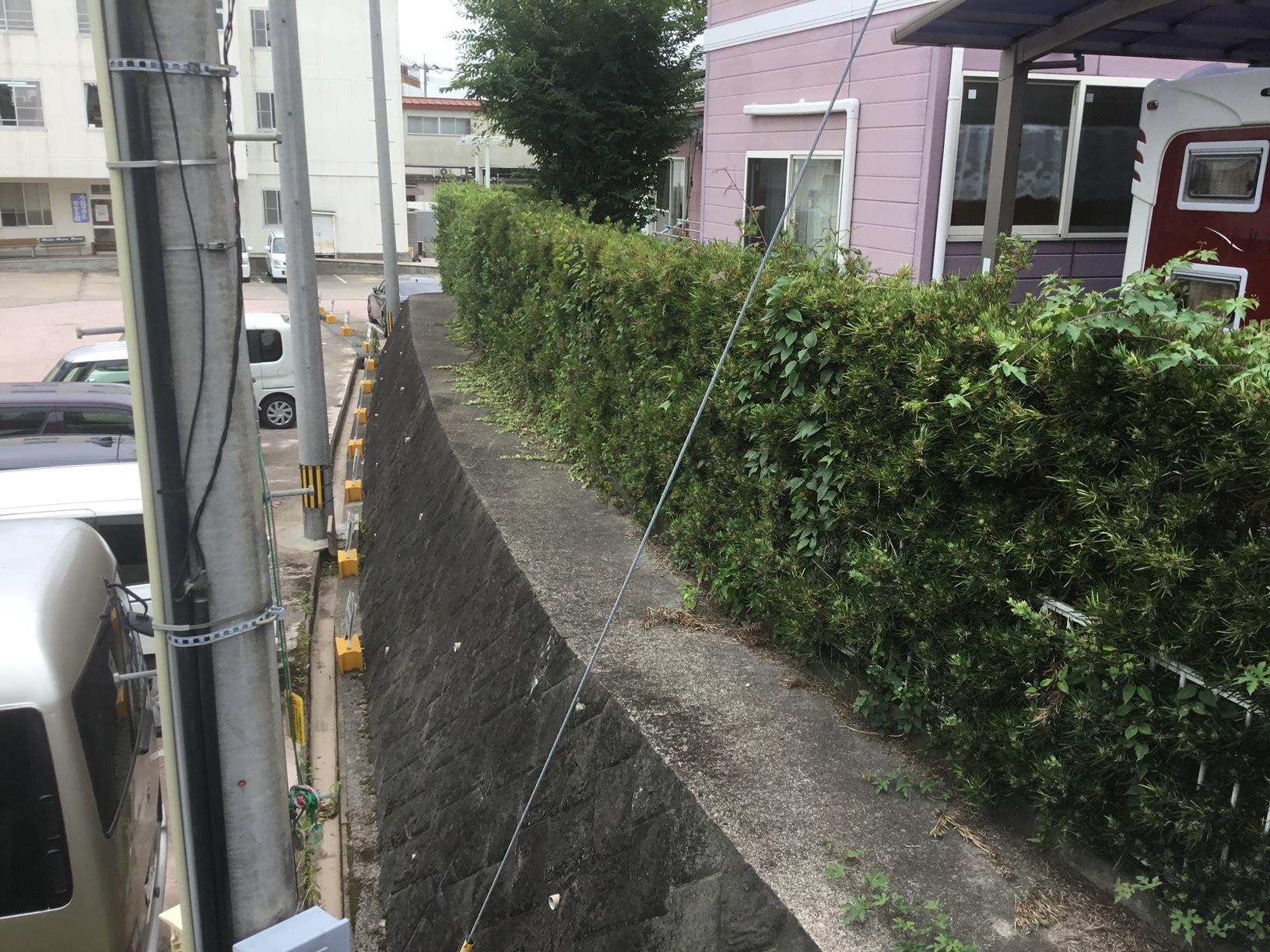 福岡トーヨー 大牟田店の目隠しフェンスと花粉症対策の施工前の写真3