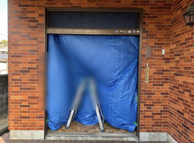 福岡トーヨー 大牟田店の1dayリフォーム 玄関引戸の施工前の写真2