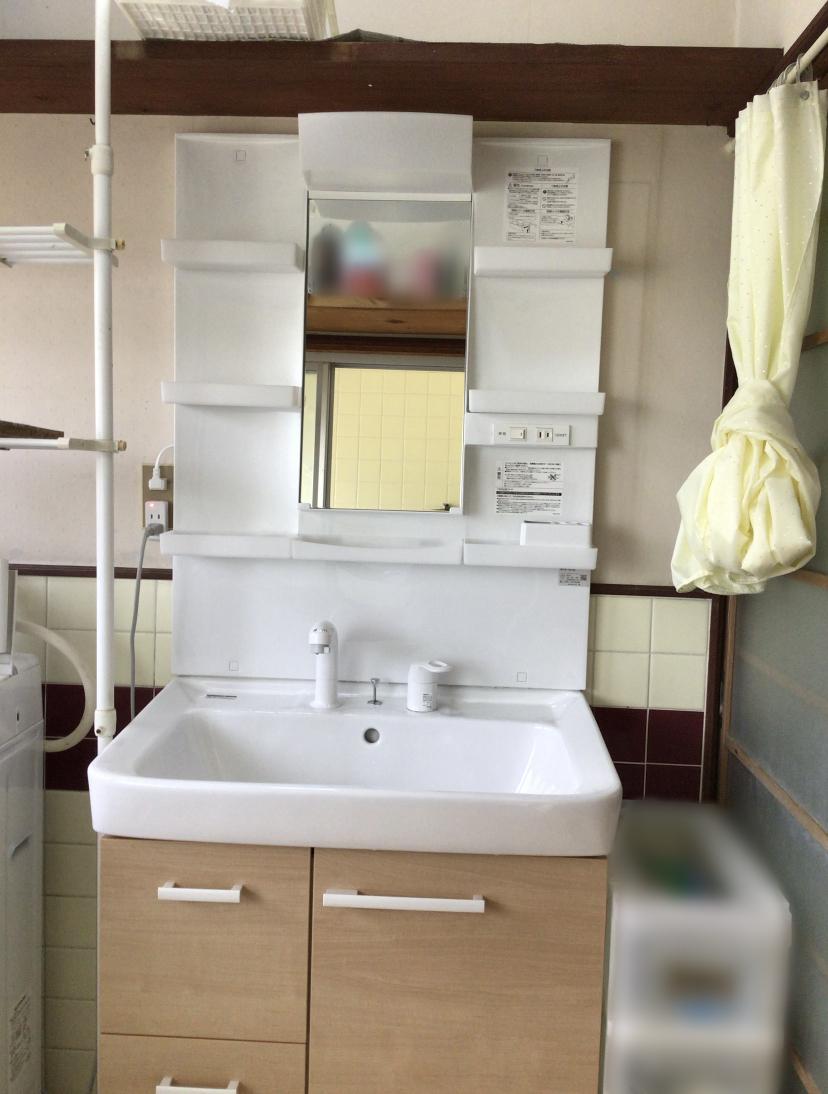 福岡トーヨー 大牟田店の洗面化粧台の施工後の写真2