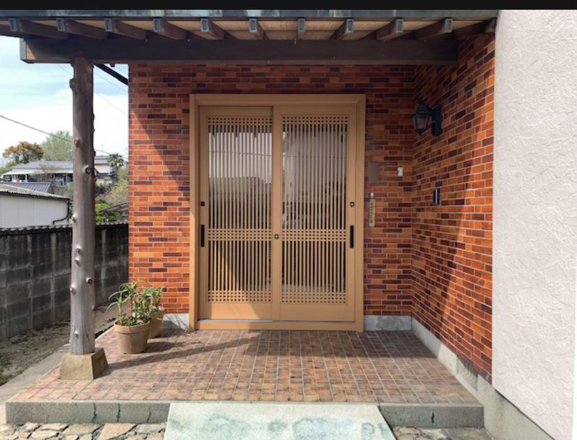 福岡トーヨー 大牟田店の1dayリフォーム 玄関引戸の施工後の写真1
