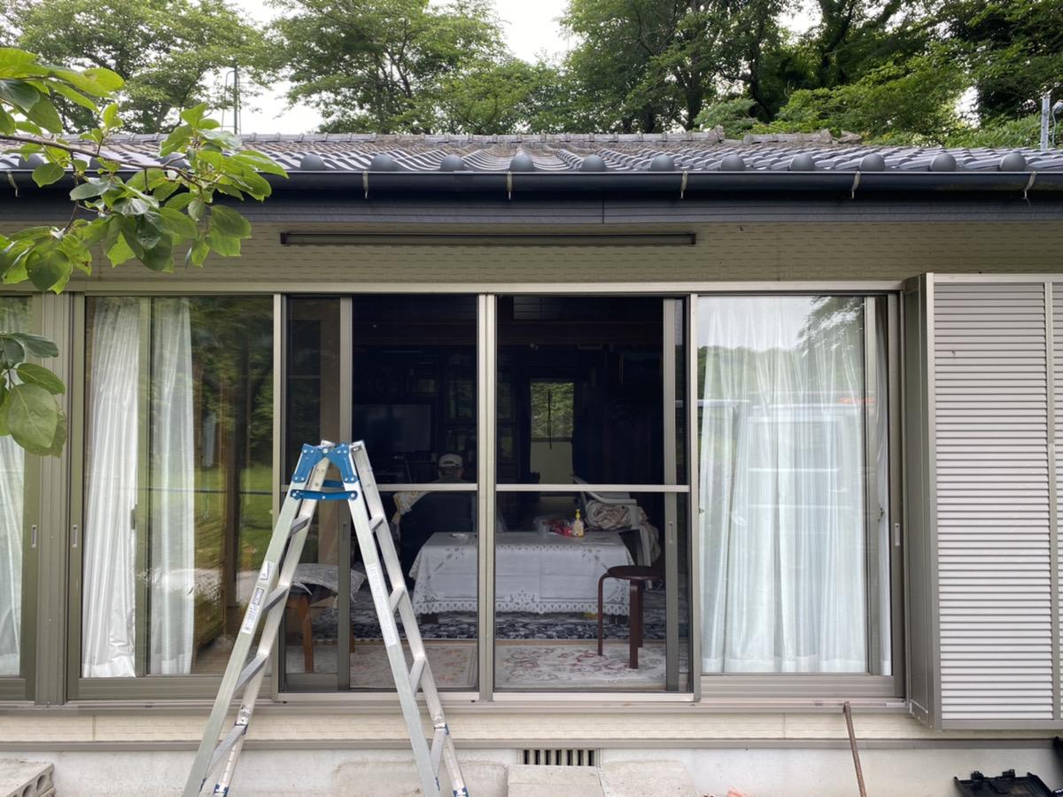 福岡トーヨー 大牟田店の熱線吸収屋根 テラス スピーネの施工後の写真1